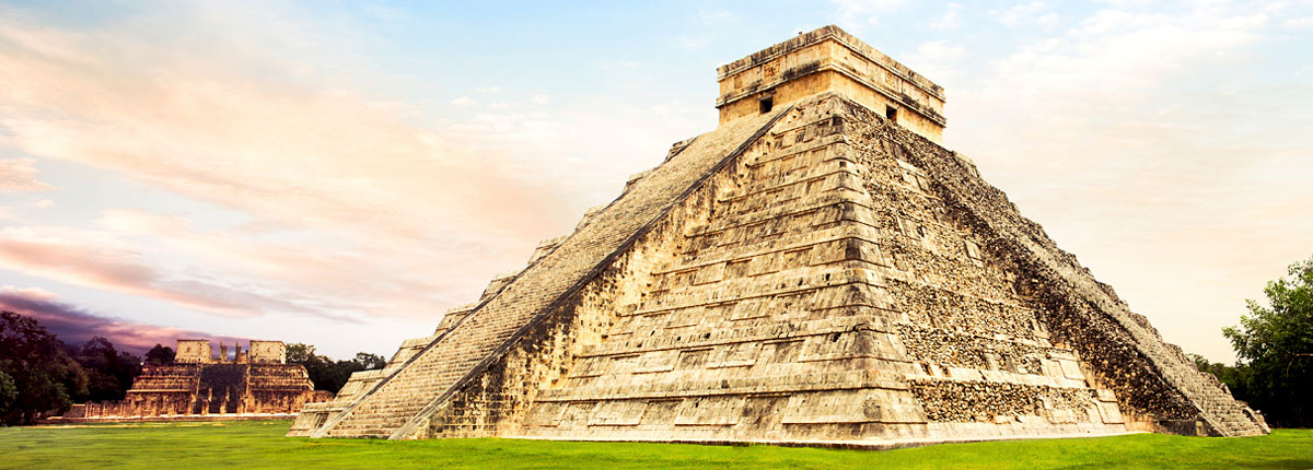 visit the el castillo pyramid in progreso