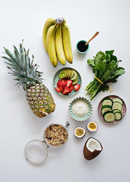 Overhead image of the green smoothie bowl ingredients