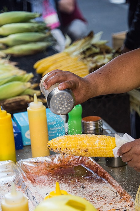 elote being prepared