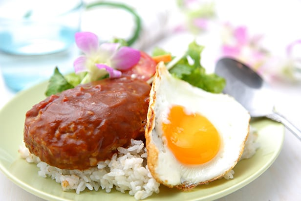 a dish of loco moco and rice
