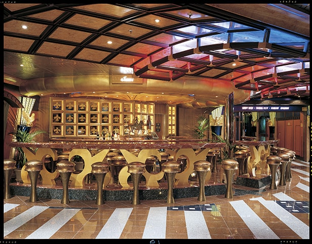 the wine bar on carnival valor
