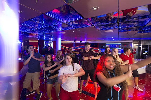 teens dance in club o2