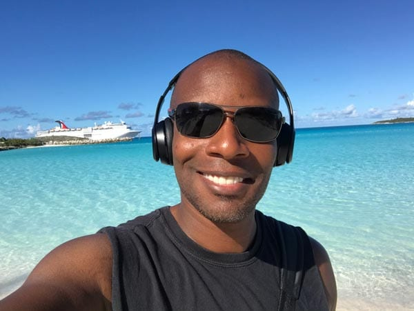 Doyin's selfie by the beach