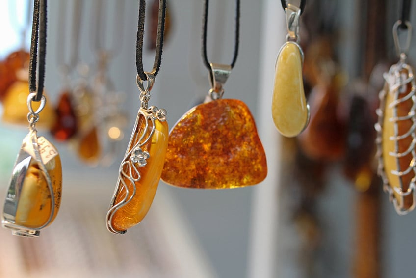 necklaces made of amber gemstones
