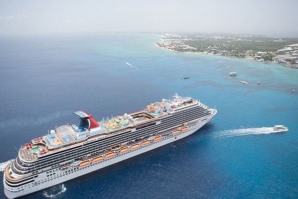 carnival breeze sailing to caribbean port