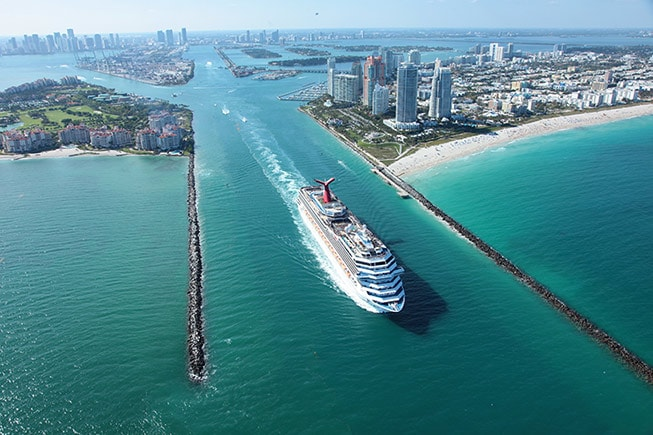 carnival cruise ship sailing from port of miami