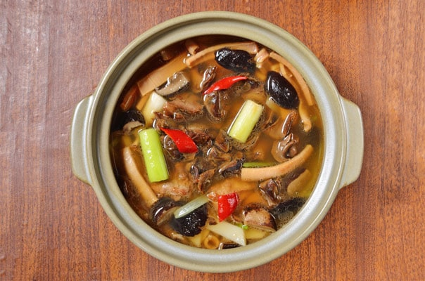 st maarten whelk soup with vegetables