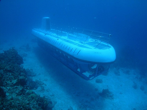 submarine exploring the deep waters around cozumel