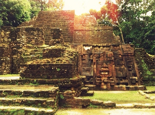 lamanai mayan mask temple found in belize