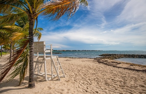 white lifeguard seat overlooking saunders beach in nassau bahamas