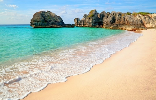 clear blue waters at one of the beaches in bermuda