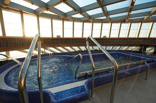 thalassotherapy pool on board a carnival cruise ship