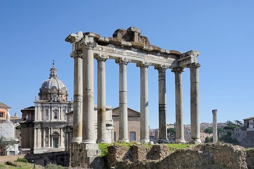 the roman forum and ancient ruins
