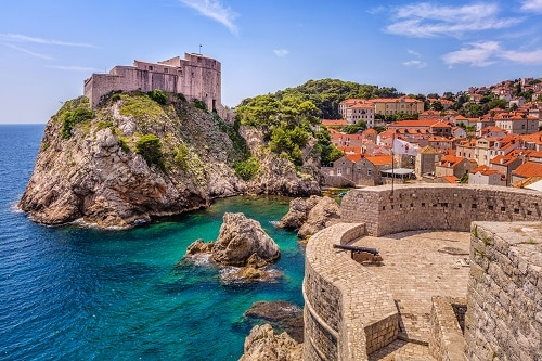 the old walls that surround dubrovnik