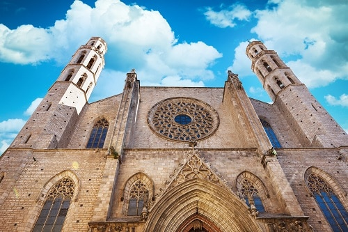 looking up at the basilica of santa maria del mar
