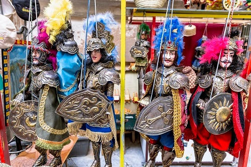 sicilian-puppets-with-metal-armor