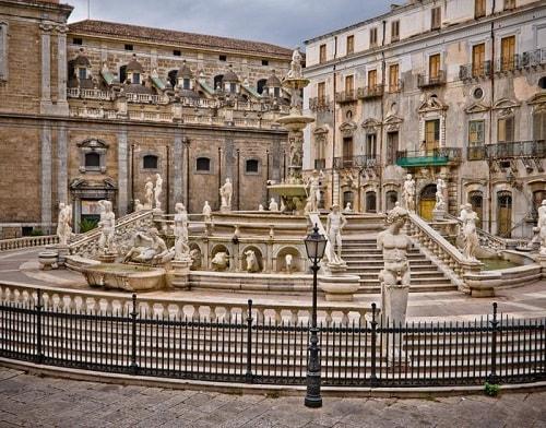 statues surrounding the pretoria plaza