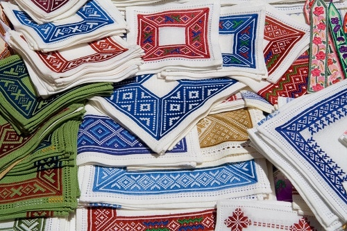 hand-stitched napkins for sale in dubrovnik