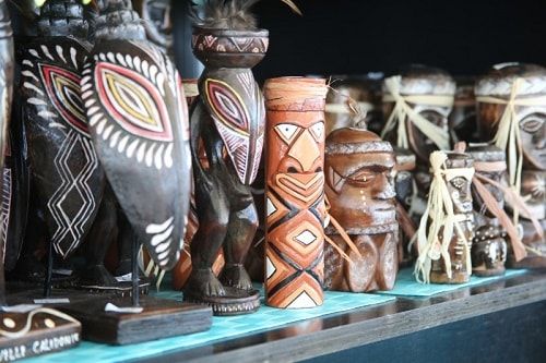 local crafts at the markets in noumea