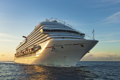 carnival dream sailing through the ocean