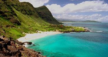 visit the beautiful makapu'u beach in oahu
