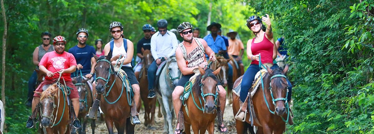 horseback riding adventure through jungle