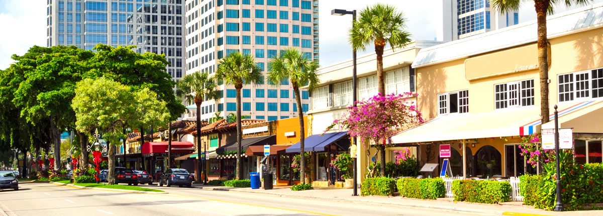 shops and restaurants on las olas boulevard in ft. lauderdale