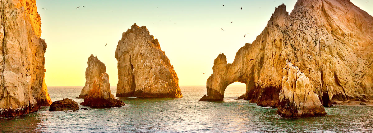 picturesque view of the arch of cabo san lucas
