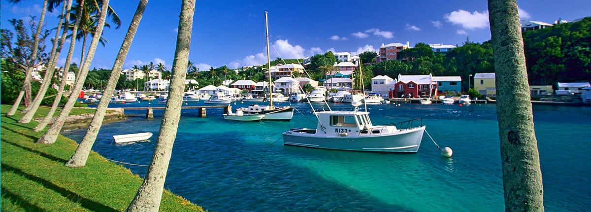 beautiful blue skies and water in bermuda